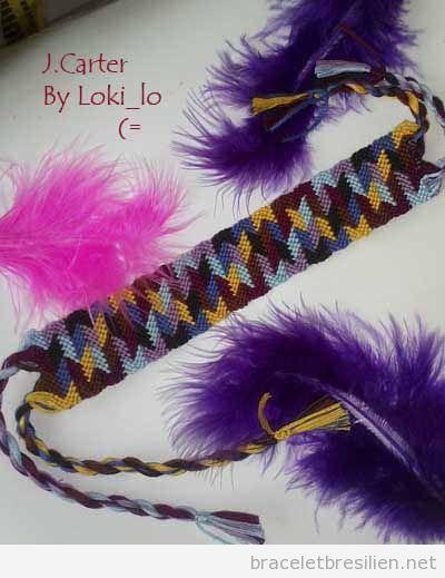 Bracelet de l'amité decoré avec des plumes