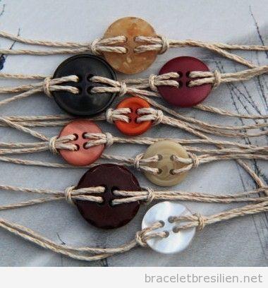 Bracelet simple DIY avec une corde de sparte et des boutons