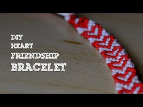 Vidéo pour apprendre comment fabriquer un bracelet de l'amitié motif coeurs