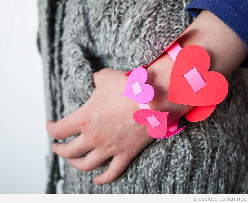Bracelet simple DIY offrir Saint Valentin pour les enfants